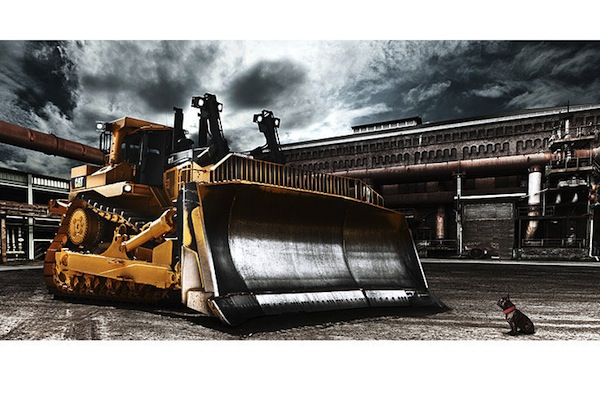 Heavy_Machines_Calendar_2011_January_Caterpillar_D11T.jpg