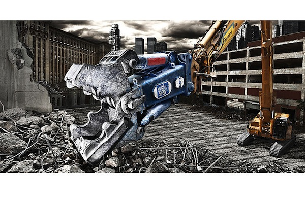 Heavy_Machines_Calendar_2011_March_LST_XMB_5500_Demolator.jpg