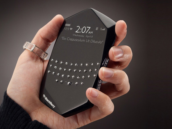 Blackberry-Empathy-by-Kiki-Tang-et-Daniel-Yoon-01.jpg