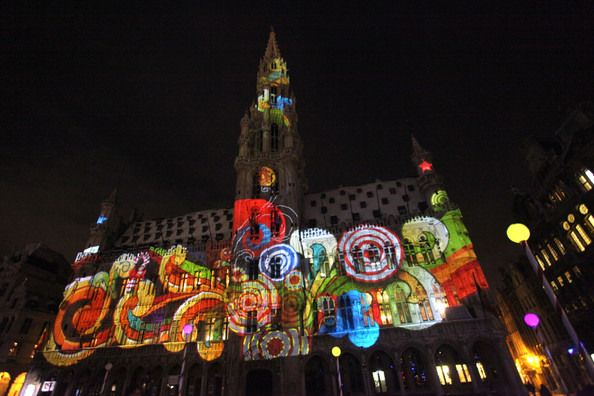 Christmas+Lights+Illuminate+La+Grand+Place+-ZLZwSBTRm0l.jpg