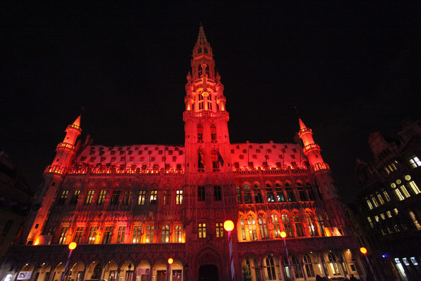 Christmas+Lights+Illuminate+La+Grand+Place+CgYjFSbVcvol.jpg