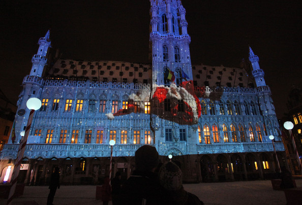 Christmas+Lights+Illuminate+La+Grand+Place+IEdG-DEndB3l.jpg