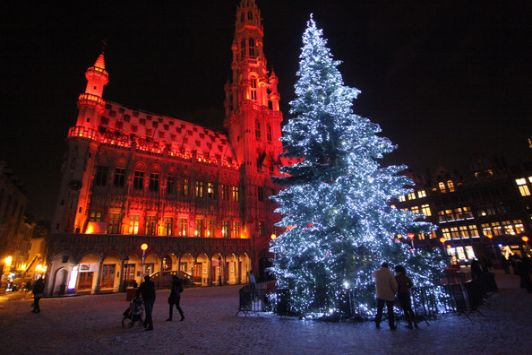 Christmas+Lights+Illuminate+La+Grand+Place+PYiQPtfU3lkl.jpg