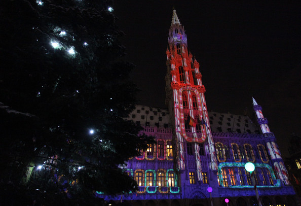 Christmas+Lights+Illuminate+La+Grand+Place+aIohQw3USHpl.jpg
