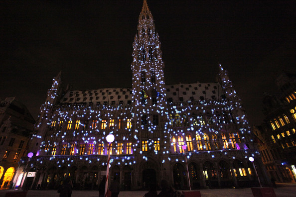 Christmas+Lights+Illuminate+La+Grand+Place+m_OI1iAQ3_Vl.jpg