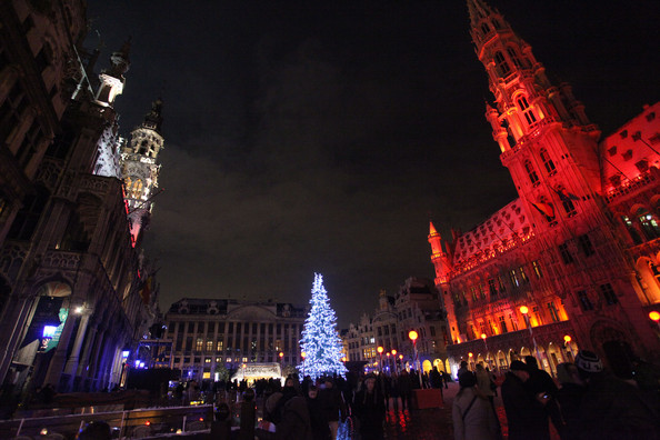 Christmas+Lights+Illuminate+La+Grand+Place+pKtLBkw5Pi4l.jpg