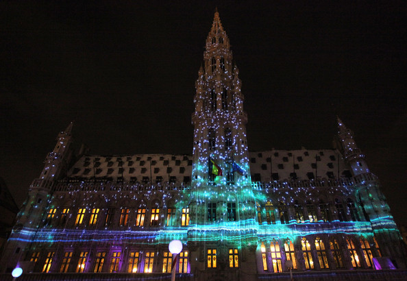 Christmas+Lights+Illuminate+La+Grand+Place+qTeErfGpiCCl.jpg