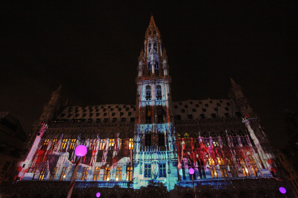 Christmas+Lights+Illuminate+La+Grand+Place+uShkpyWVHexl.jpg