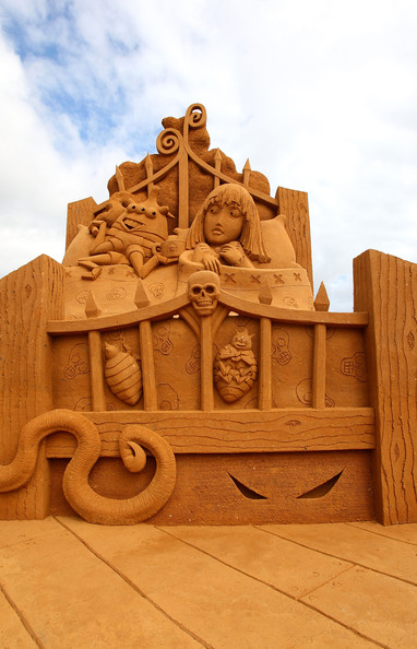 International+Sand+Sculpting+Artists+Open+xH710KOx278l.jpg