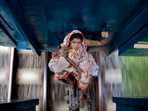 dhaka-bangladesh-train_30714_990x742.jpg