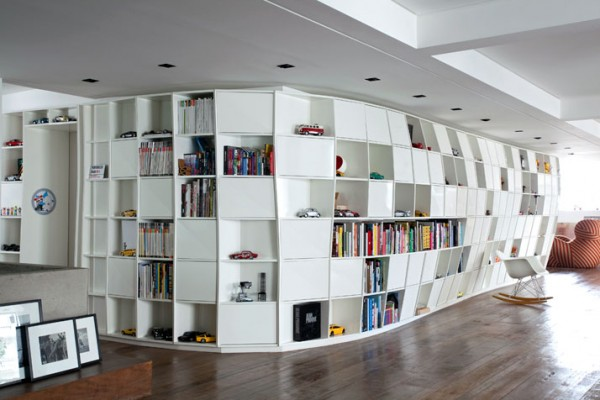 BendingBookcaseApartment1-600x400.jpg