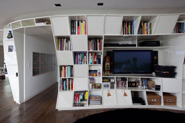 BendingBookcaseApartment3-600x400.jpg