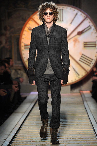 John+Varvatos+Milan+Fashion+Week+Menswear+_P5zt_fSExtl.jpg