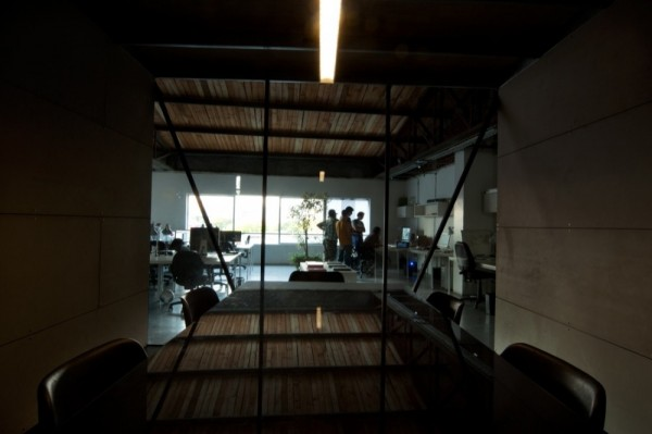 smog_office-design_chile-4-600x399.jpg
