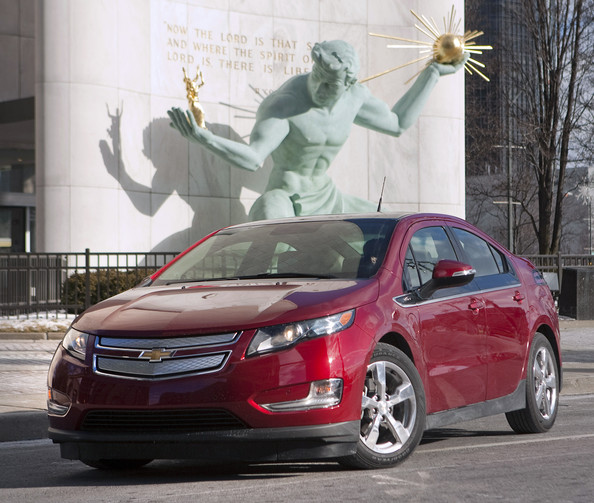 detroit_auto_show_2011_chevrolet_volt_international_auto_show_car_of_the_year_2.jpg