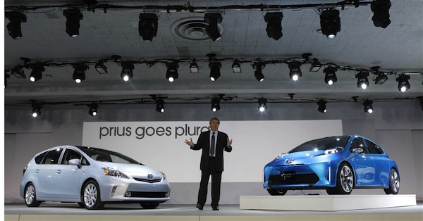 detroit_auto_show_2011_toyota_prius_v_hybrid_electric_and_prius_c_concept.jpg