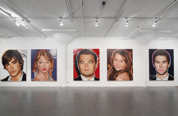 YOUNG+ART+Portraits+Top+Ten+Celebrities+Appear+-h0zF_i5Svel.jpg