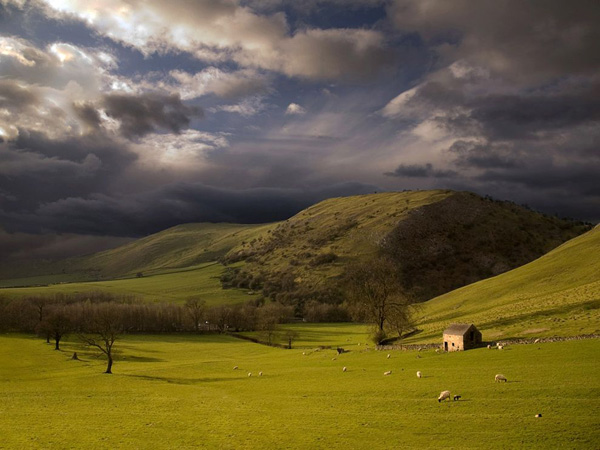 peak-district-england_30744_990x742.jpg
