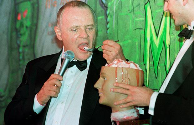 Hasty_Pudding_Award_Anthony_Hopkins_2001.jpg