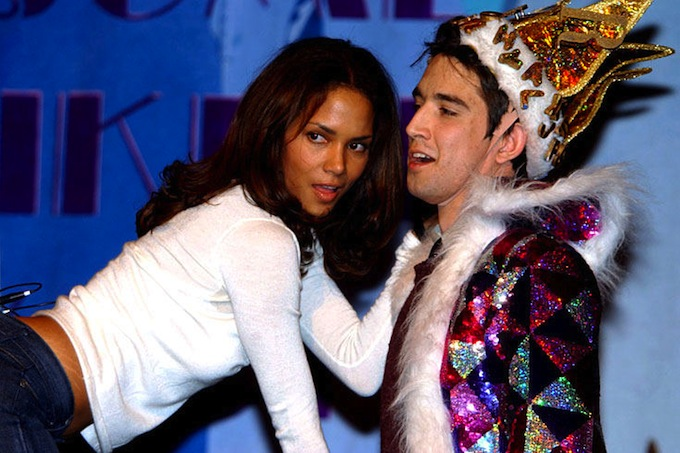 Hasty_Pudding_Award_Halle_Berry_2006.jpg