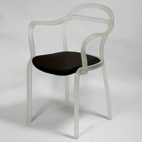 dzn_Sealed-Chair-by-Francois-Dumas-3.jpg