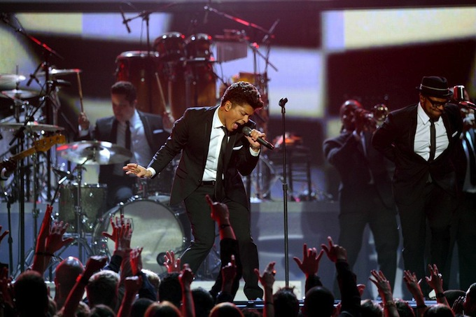 Grammy_Awards_2011_Bruno_Mars_2.jpg