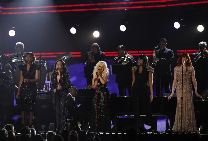 Grammy_Awards_2011_Christina_Aguilera_Jennifer_Hudson_Yolanda_Adams_Martina_McBride_Florence_Welch.jpg