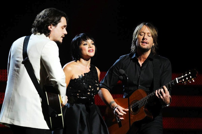 Grammy_Awards_2011_John_Mayer_Norah_Jones_Keith_Urban_perform_Jolene.jpg