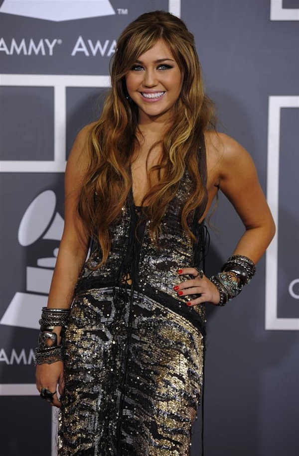 Grammy_Awards_2011_Miley_Cyrus.jpg
