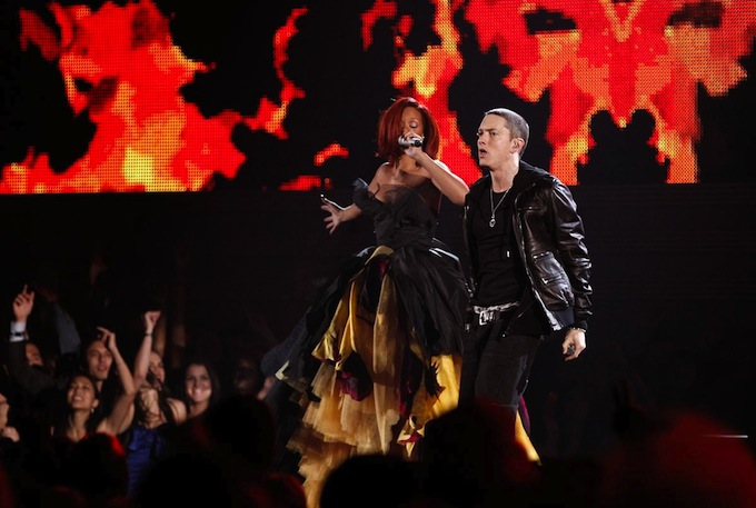 Grammy_Awards_2011_Rihanna_Eminem.jpg