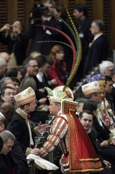 vatican_men_wearing_cologne_carnival_costumes.jpg