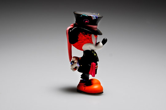 Medicom-Toy-Mickey-Mouse-as-Mad-Hatter-04.jpg