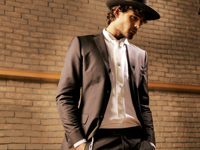 Marlon-Teixeira-for-LOfficiel-Hommes-Greece-DesignSceneNet-08.jpg