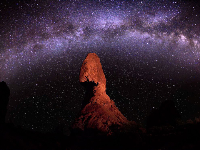 milky-way-balanced-rock_34279_990x742.jpg