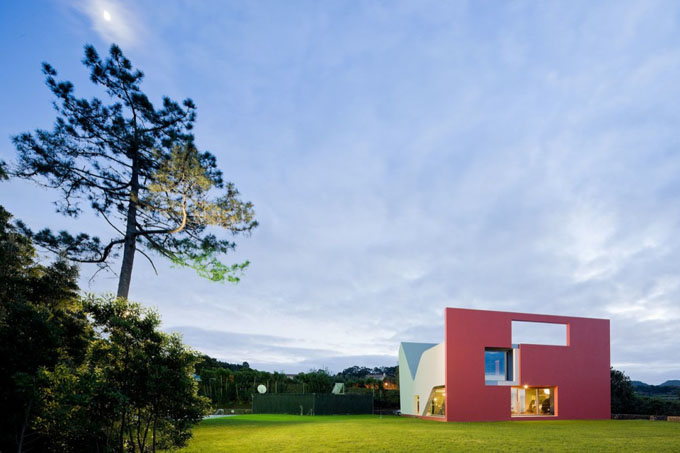 House-on-the-Flight-of-Birds-by-Bernardo-Rodrigues-Architects-03.jpg