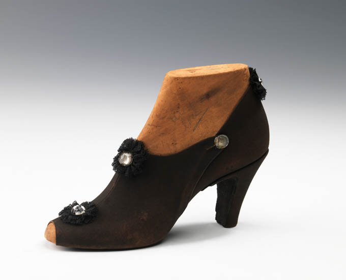 crazyvintageshoes1.jpg
