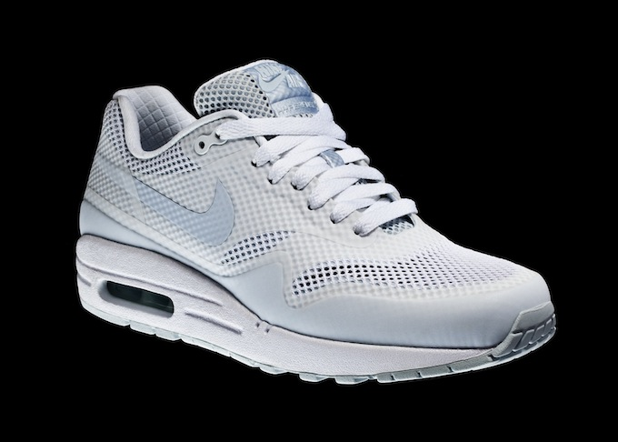 WOMANS_AIRMAX1ND_SIDE_1.1.jpg