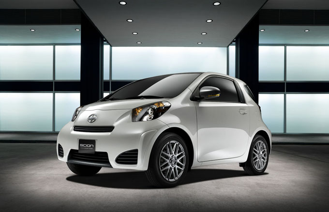 01-2011-scion-iq.jpg