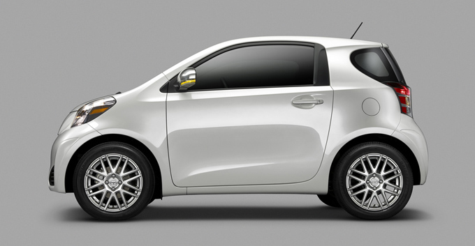 03-2011-scion-iq.jpg