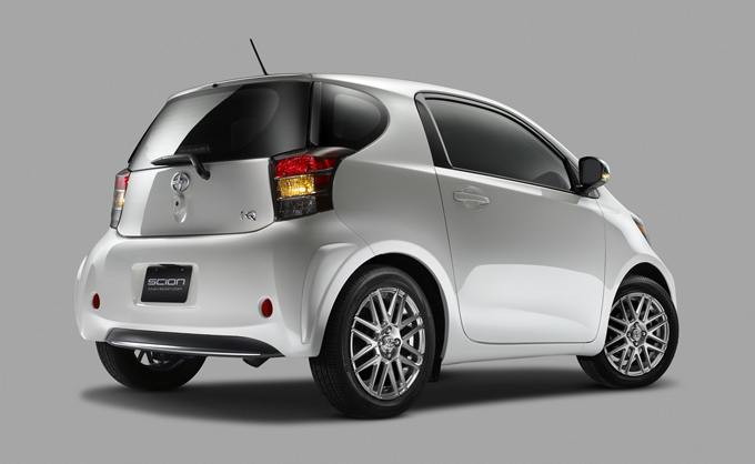 04-2011-scion-iq.jpg
