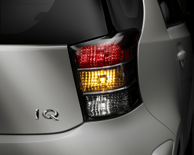 10-2011-scion-iq.jpg