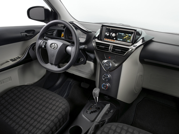 13-2011-scion-iq.jpg
