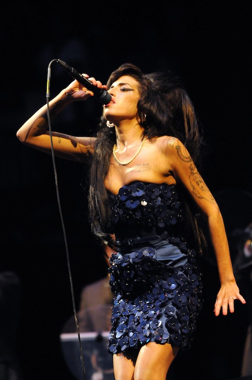 amy_winehouse_Glastonbury_Festival_2008.jpg