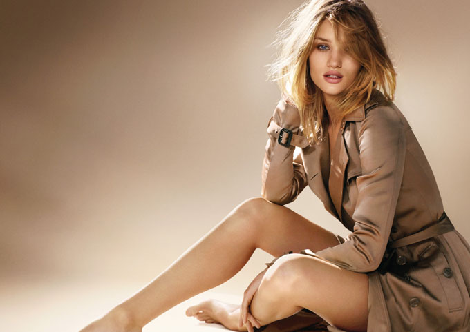 Rosie-Huntington-Whiteley-for-Burberry-Body-Fragrance-DesignSceneNet-01.jpg