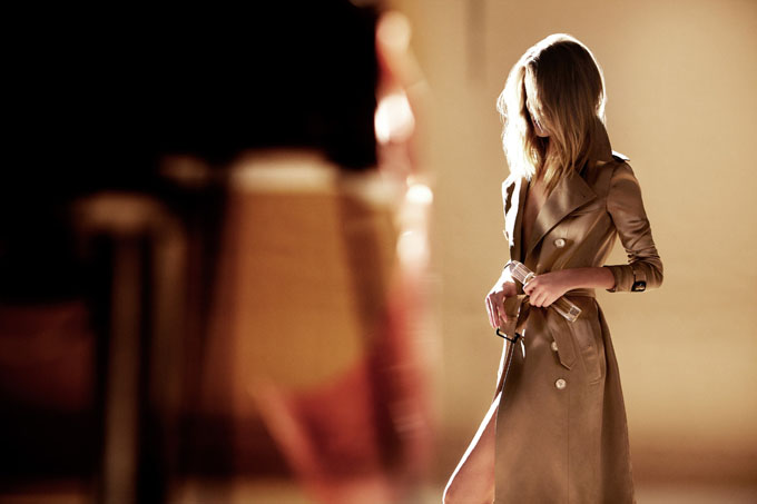 Rosie-Huntington-Whiteley-for-Burberry-Body-Fragrance-DesignSceneNet-10.jpg