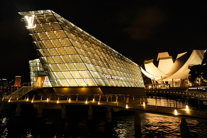 Louis-Vuitton-Island-Maison-in-Singapore-DESIGNSCENE-net-01.jpg