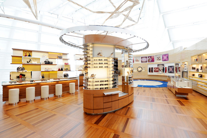 Louis-Vuitton-Island-Maison-in-Singapore-DESIGNSCENE-net-13.jpg