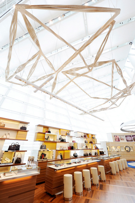 Louis-Vuitton-Island-Maison-in-Singapore-DESIGNSCENE-net-15.jpg