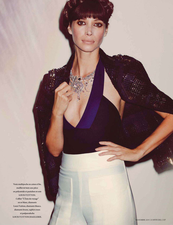 Christy-Turlington-LOfficiel-Paris-DESIGNSCENE-net-04.jpg