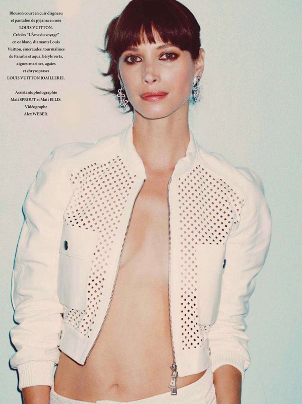 Christy-Turlington-LOfficiel-Paris-DESIGNSCENE-net-06.jpg